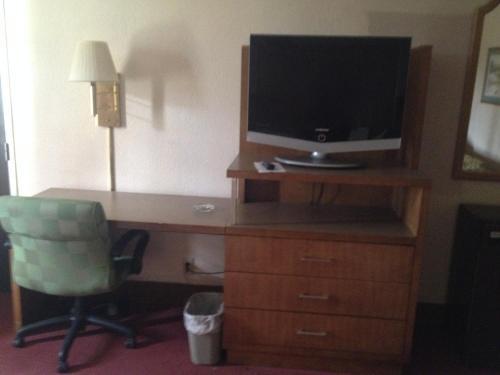 Rodeway Inn & Suites Denver - Denver, CO 80211