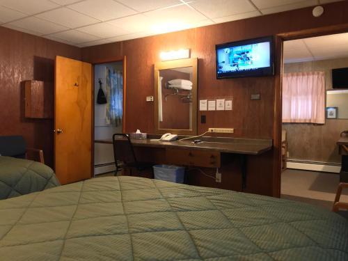 Indianhead Motel - Accommodation - Ironwood