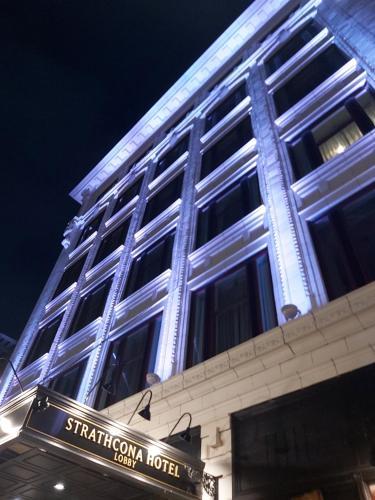 Strathcona Hotel - Victoria