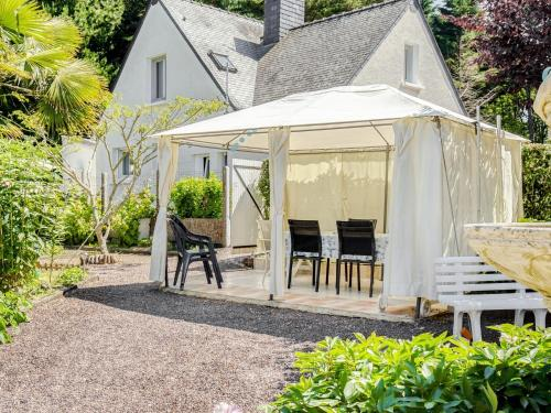 Fabulous Holiday Home in Penestin Brittany in the Woods