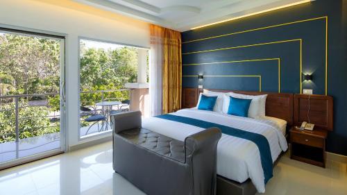 . ARAYA HOTEL