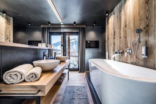 Almmonte Präclarum Suites Design Hotel - Wagrain