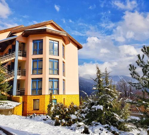Apartment on Zashchitnikov Kavkaza 77-2 - Krasnaya Polyana