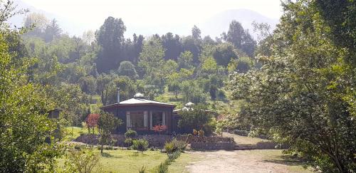 Las Palmas Lodge - Photo 1 of 30