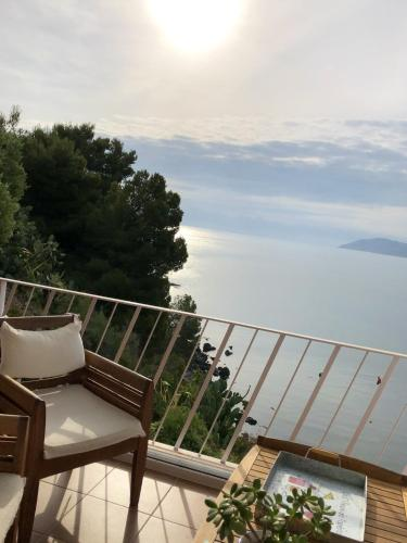 Apartment with 2 bedrooms in Llanca with wonderful sea view furnished terrace and WiFi