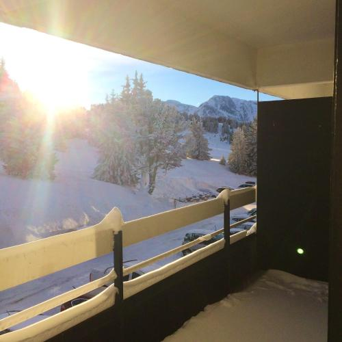 . Apartment with one bedroom in Chamrousse with wonderful mountain view and furnished balcony