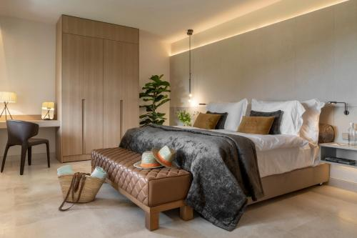 Suite Junior Jardín Castell Son Claret - The Leading Hotels of the World 23
