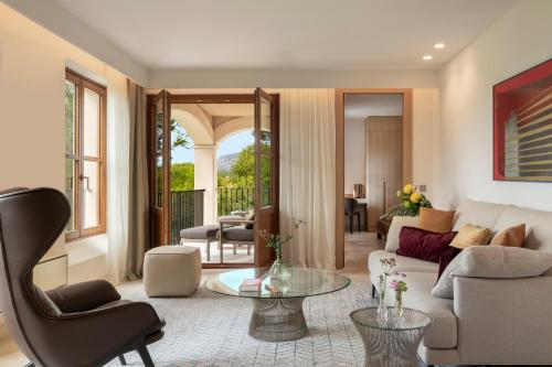 Suite Junior Jardín Castell Son Claret - The Leading Hotels of the World 20