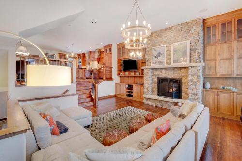 Ski In Out Luxury Villa #452 With Hot Tub & Great Views - FREE Activities & Equipment Rentals Daily - Accommodation - Winter Park