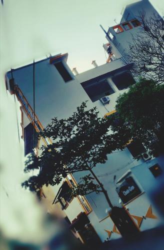 . Sri Balaji Villa and Residency