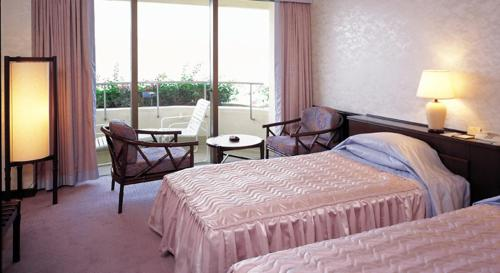 Standard Twin Room - High Floor
