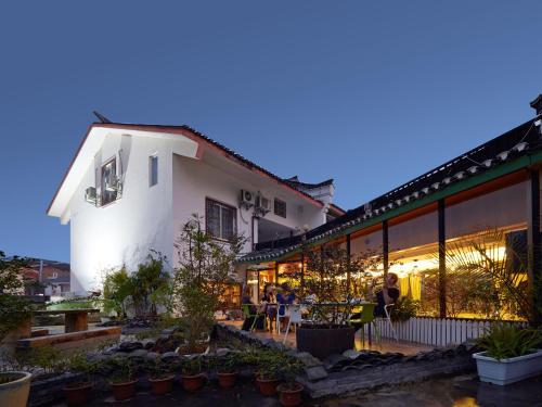 Yangshuo Greenforest Hostel