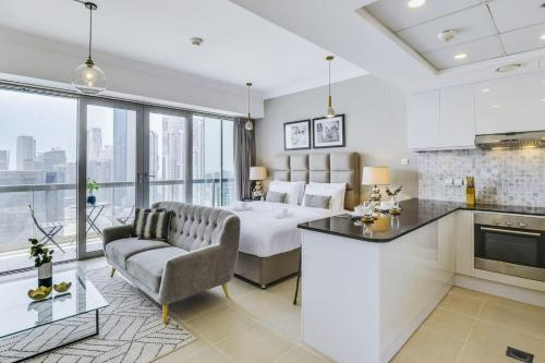 Luxurious Downtown Apartment by Burj Khalifa