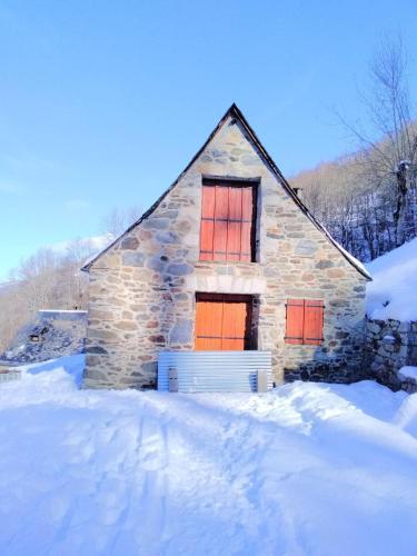 Granges LAS COSTES isolées et insolites en montagne dans les HAUTES-PYRENEES 4x4 obligatoire en hiver - Valle du Louron / Loudenvielle