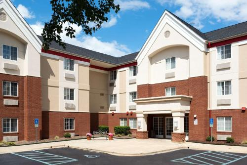 . MainStay Suites Raleigh - Cary