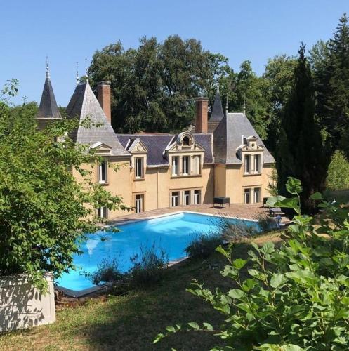 . Chateau de Bonnevaux
