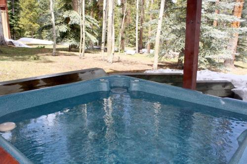 White Wolf #890 - Great Home with Private Outdoor Hot Tub - Shuttle to Slopes - Breckenridge