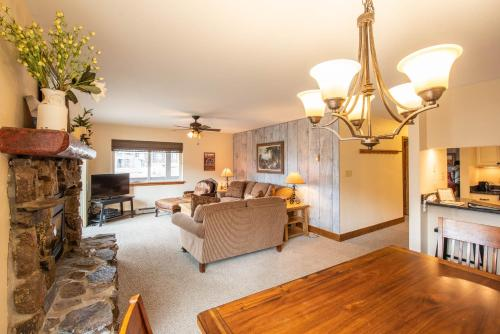 Evergreen 2Br- Renovated Kitchen Condo - Apartment - Crested Butte