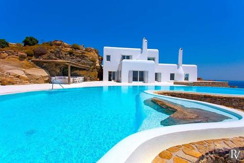 Agios Lazaros Villa Sleeps 14 with Pool and Air Con