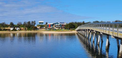 . Beachcomber Holiday Units