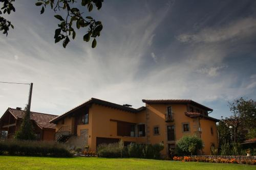 . Apartamentos Rurales La Casa Vieja De Silió