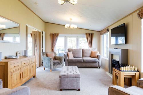 Lyndale Lodge 27 - Stewart