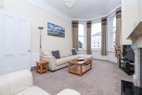 . Eastbourne Sea View Apartment