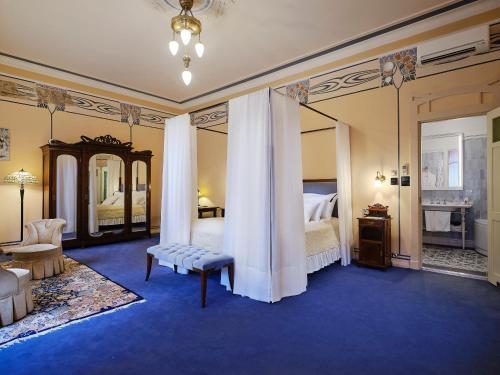 . Villa Ammende Restaurant and Hotel