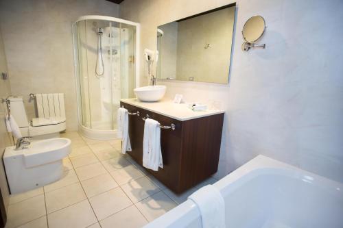 Deluxe Room Hotel Swiss Moraira 14
