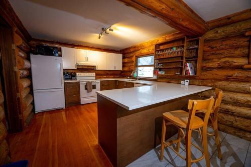 Sitka Alpine Log Cabin - Chalet - Whistler Blackcomb