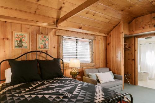 Studio - Cabin 6