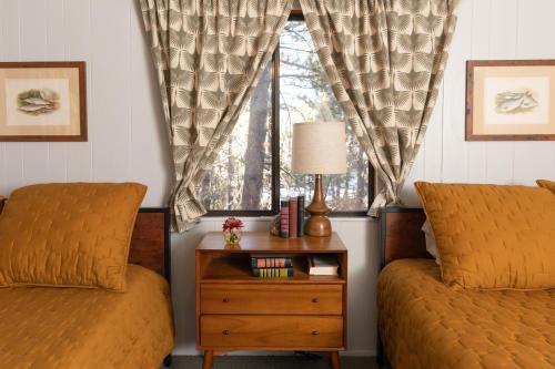Oak Knoll Lodge - Accommodation - Big Bear Lake