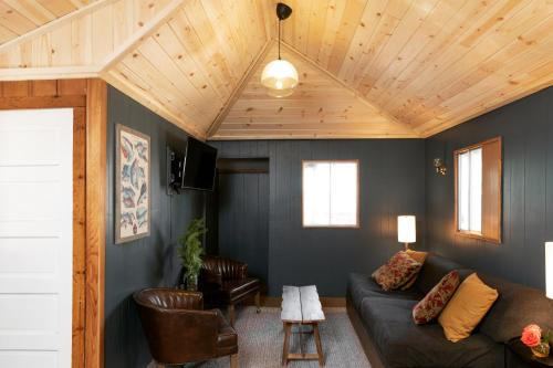 Three-Bedroom - Cabin 8