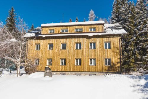 . APARTMENTS ROGLA JURGOVO - Ski in Ski out