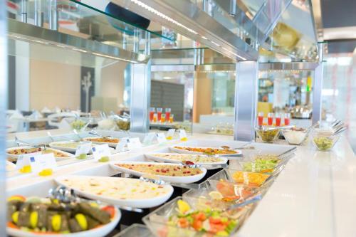 Novotel Abu Dhabi Al Bustan photo 4