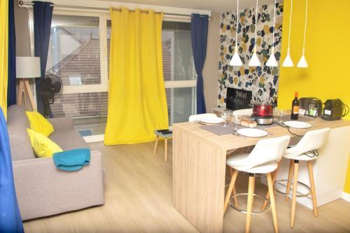 APPARTEMENT ENTRE GENÈVE ET CHAMONIX AU PIED DES MONTAGNES - Apartment - Cluses