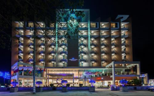 . Long Beach Hotel