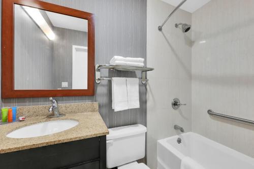 Hotel Pergola JFK Airport - image 11