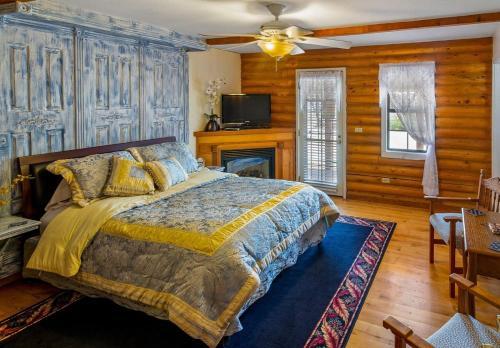 . Quarter Horse Inn & Lodge
