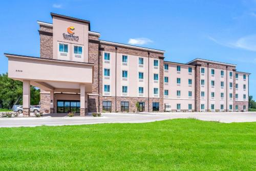 . Comfort Inn & Suites North Platte I-80