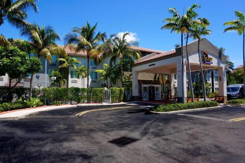 . Sleep Inn & Suites Dania Beach