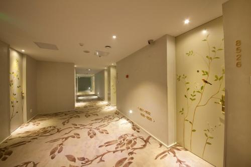 Beijing Springs Valley Hotel photo 24