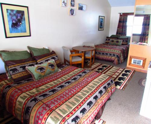 Kirkwood Resort & Marina - West Yellowstone, MT 59758