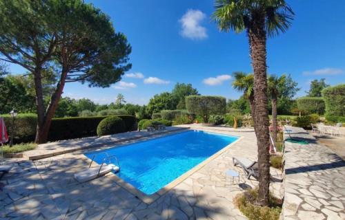 Magnifique propriété privée nichée, proche Cannes - Location, gîte - Saint-Cézaire-sur-Siagne