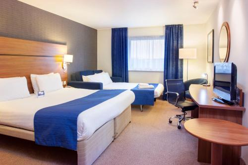 Holiday Inn Express Braintree, An Ihg Hotel - Photo 3 of 32