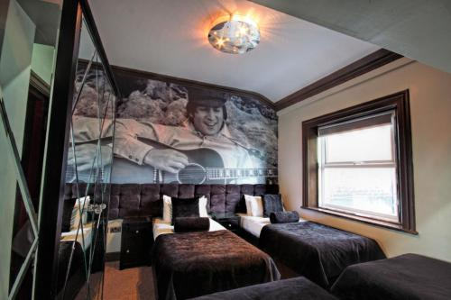 Picture of Signature Living Bold Street