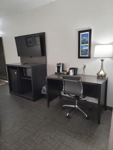 . Comfort Inn & Suites Greer - Greenville