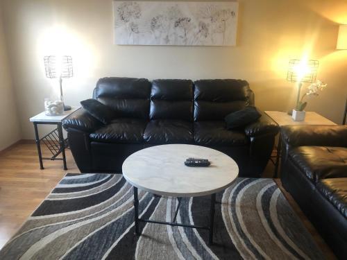 Oasis Corporate Rentals - Camrose - Apartment