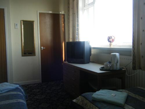 Tudor Court Hotel picture 1 of 41