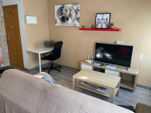 CHEAP & EQUIPPED apartament NEARLY CENTER